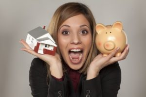 Women saved money on her home insurance policy